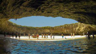 A Playa Escondida é uma das principais atrações da Riviera Nayarit, no México