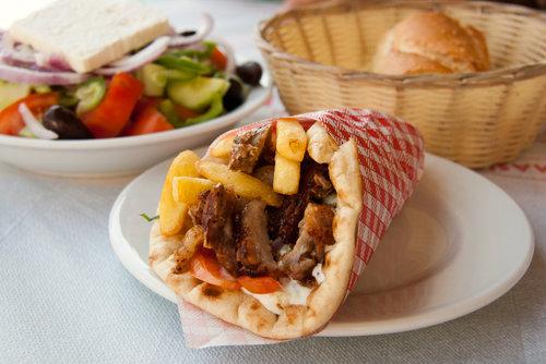 Gyros, comida típica grega. Fonte: Shutterstock.com