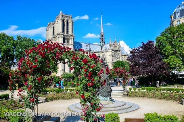 Paris e Notre-Dame a partir da Square René Viviani