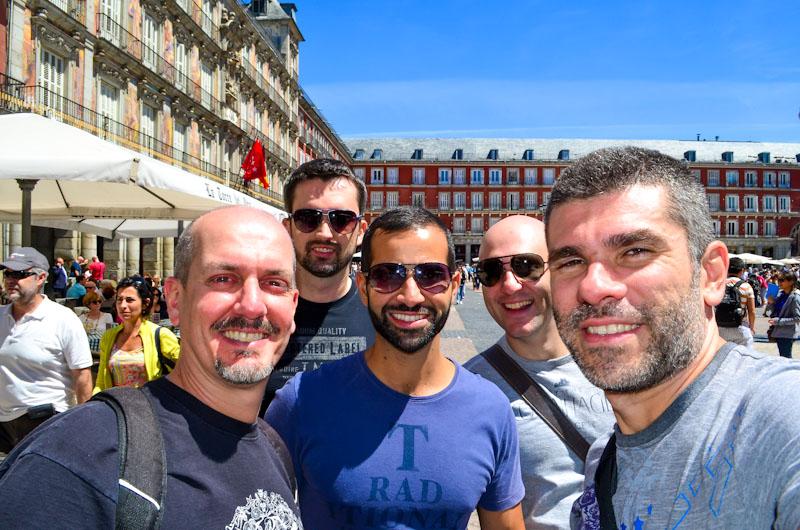 Com os queridos amigos, novamente na Europa, a viagem começou em Madri