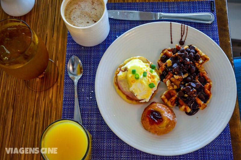 Um daqueles pratos bonitinhos que a gente só monta para tirar foto, no café da manhã do Marriott. O prato na realidade era sempre um pouco mais cheio