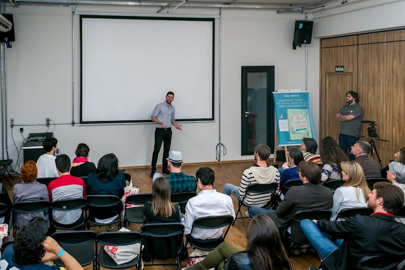 Entre os workshops e conversas realizadas, o representante da Rentcars.com apresentou as vantagens da companhia de aluguel de carros